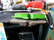 本日はR56 クーパーS ブレーキ交換とELV警告灯診断!!!